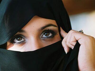 イスラム教の女性事情を調査!恋愛禁止で服装,衣装はスカーフにジーパン?