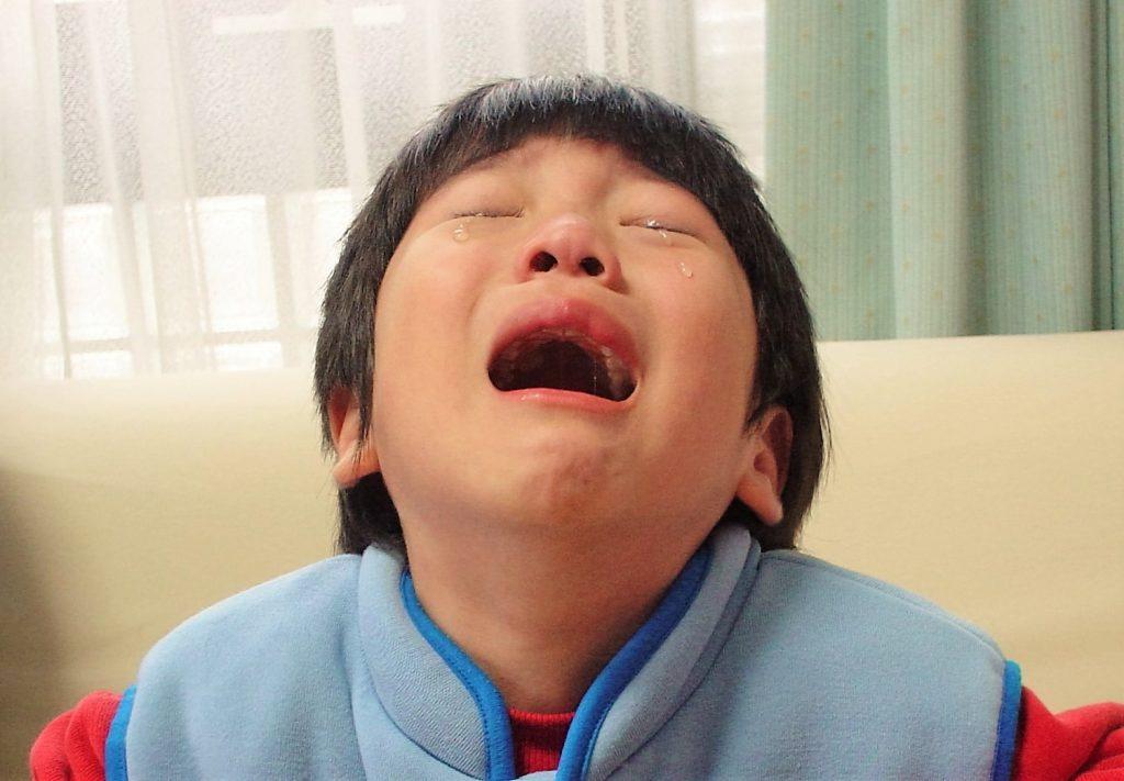 泣きたい,泣くに泣けない,泣ける,嘘泣き